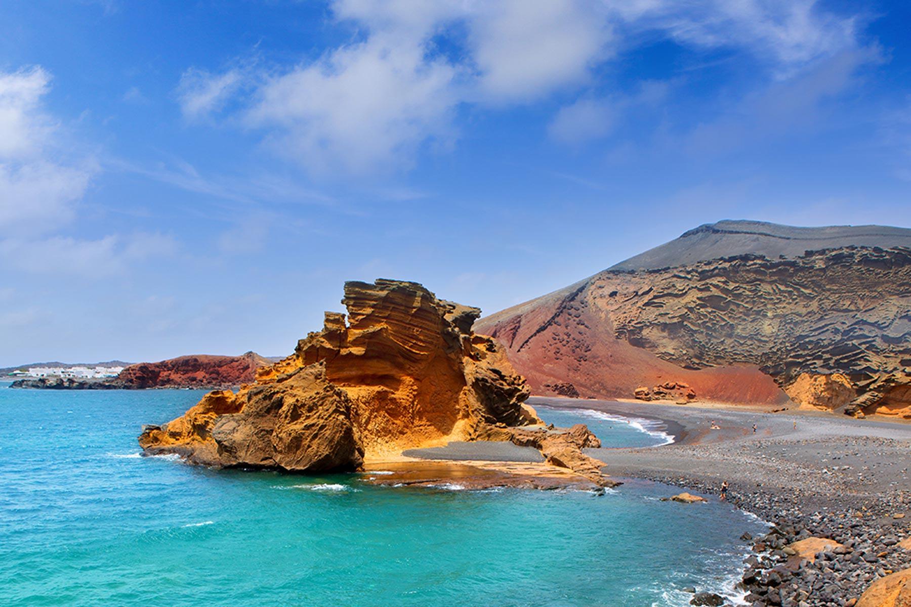 Фото на пляже в испании, На испанском пляже это делать можно (фото) 26 фотография